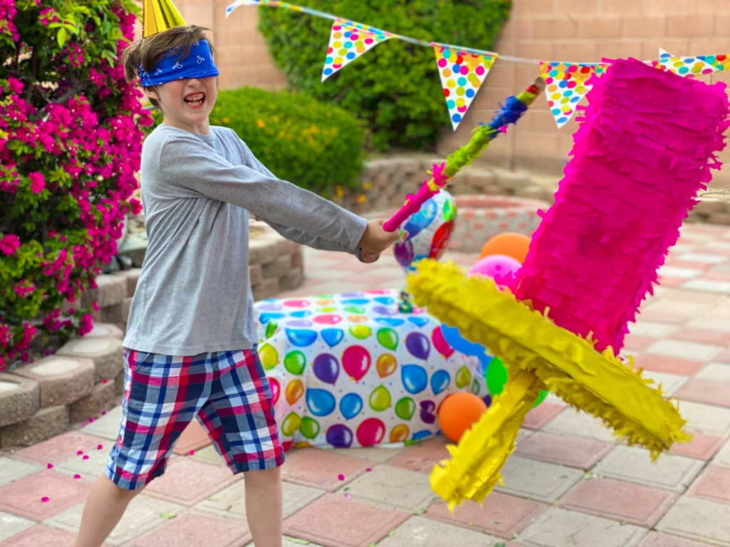 16_The_Ultimate_Birthday_Party_with_a_Ring_Pop_Piñata