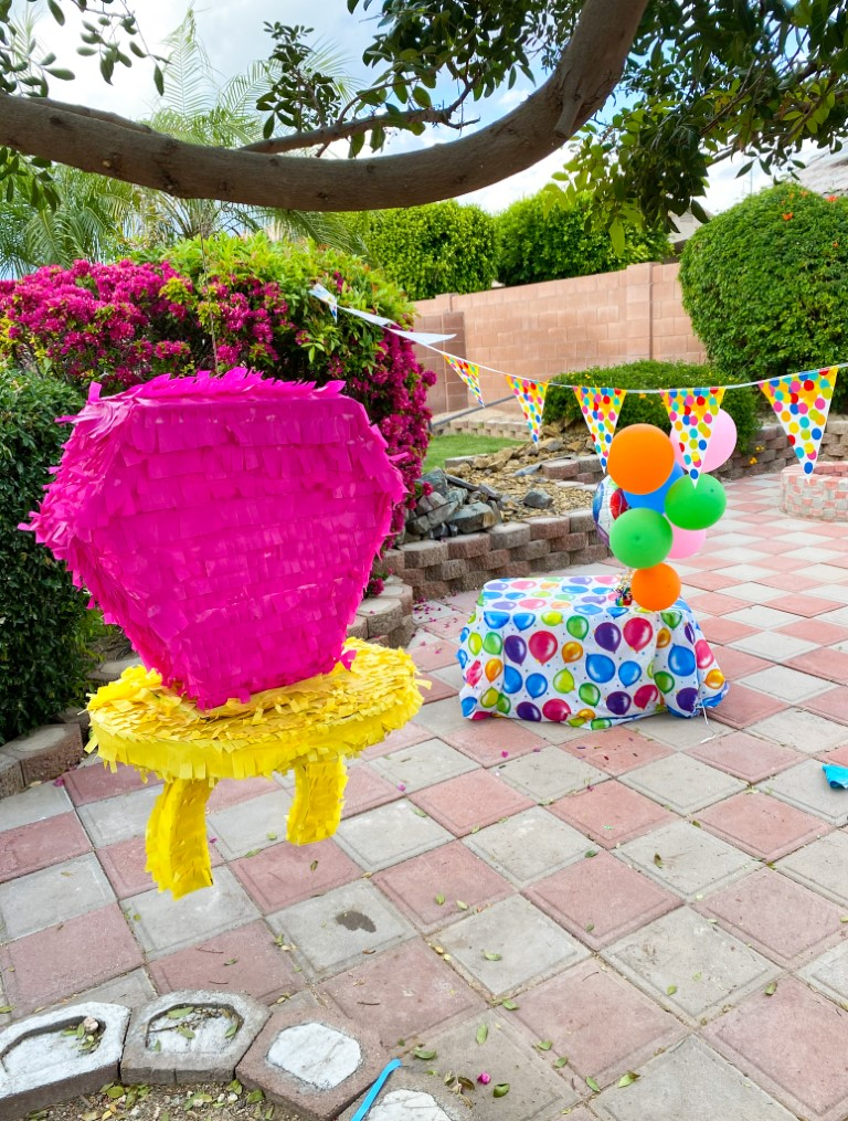 18_The_Ultimate_Birthday_Party_with_a_Ring_Pop_Piñata